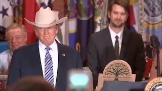 Lil Nas X- Old Town Road (cover by Donald Trump) 🤣