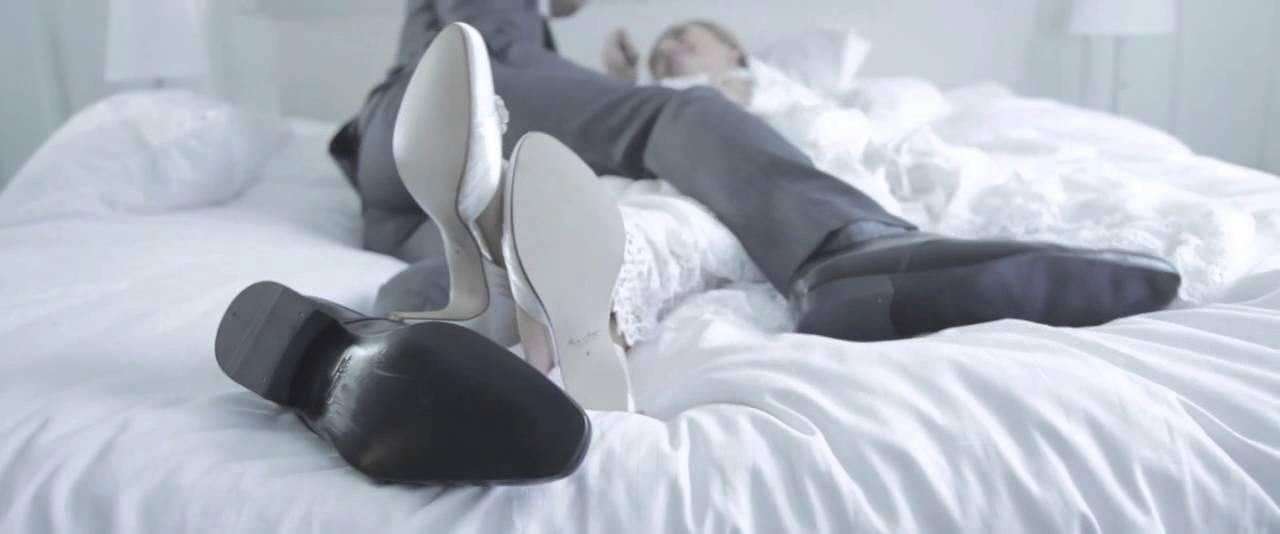 Elsa Coloured Shoes   Spot German Version HD