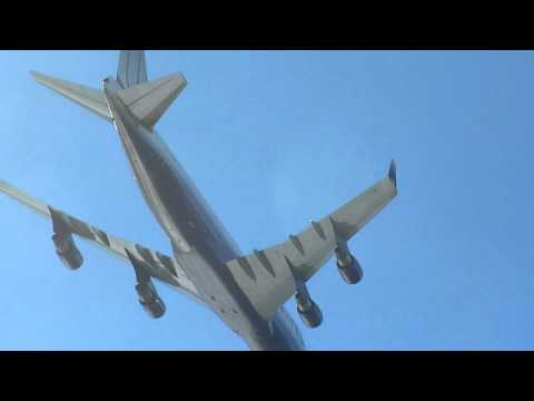 United Boeing 747 Flyby Over Treasure Island, San Francisco