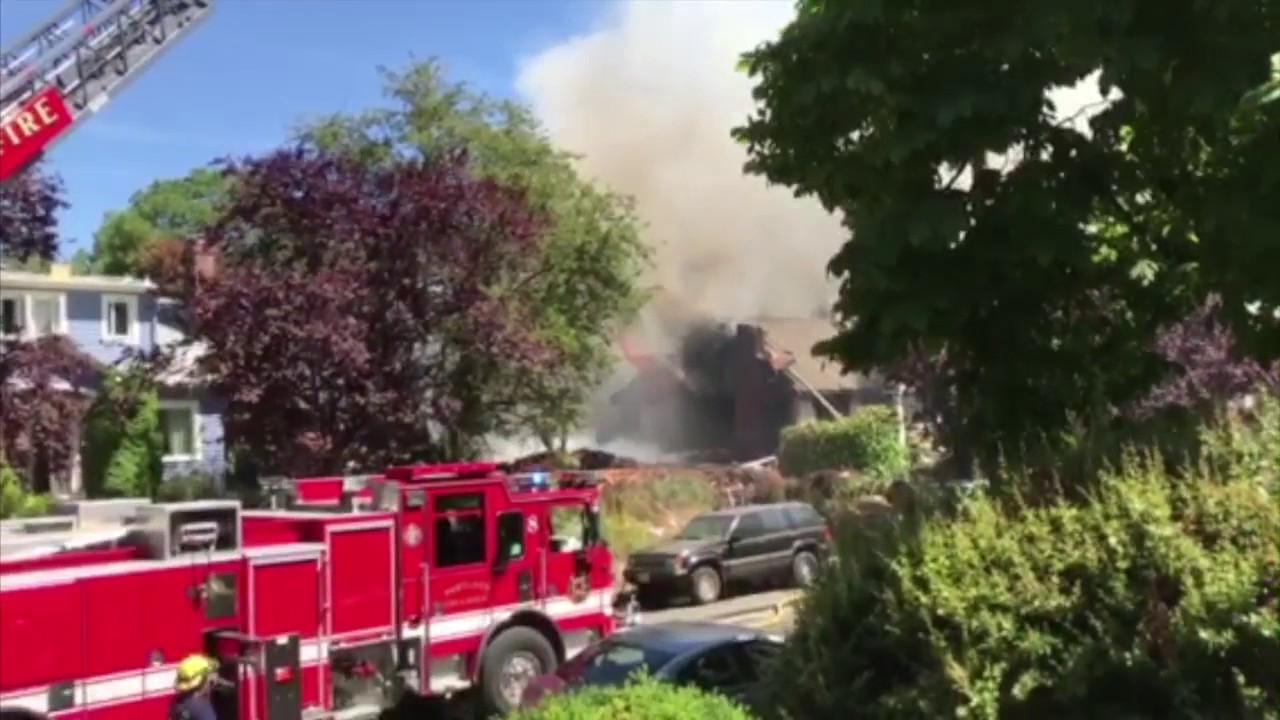Explosion and fire at north portland home doovi for Taggart motors portland texas