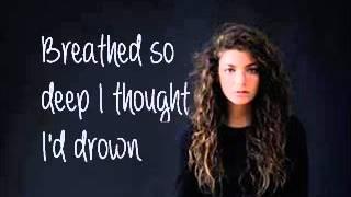 Repeat youtube video Lorde Biting Down (Lyrics)