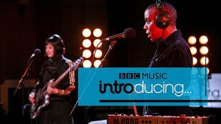 Baixar Sink Ya Teeth - If You See Me (BBC Music Introducing session)