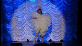 The Petits Fours Burlesque Show presents Mademoiselle Parfait de la Neige