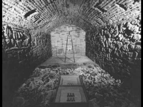 El Pozo y El Pendulo (Audiolibro) Edgar Allan Poe 3 - YouTube