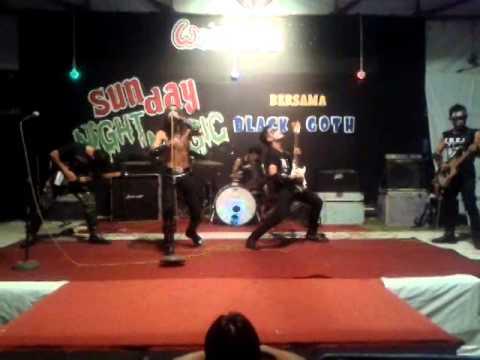 Trey Ta'ziah in SUNDAY NIGHT MUSICK @Wonderia Semarang 02 Nov 2014..