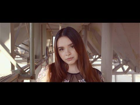 Смотреть клип Alycia Marie - When She'S Away