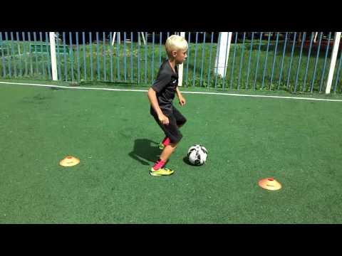 Слаломное ведение мяча. Футбольные фишки от STARWARD. Видео урок №4