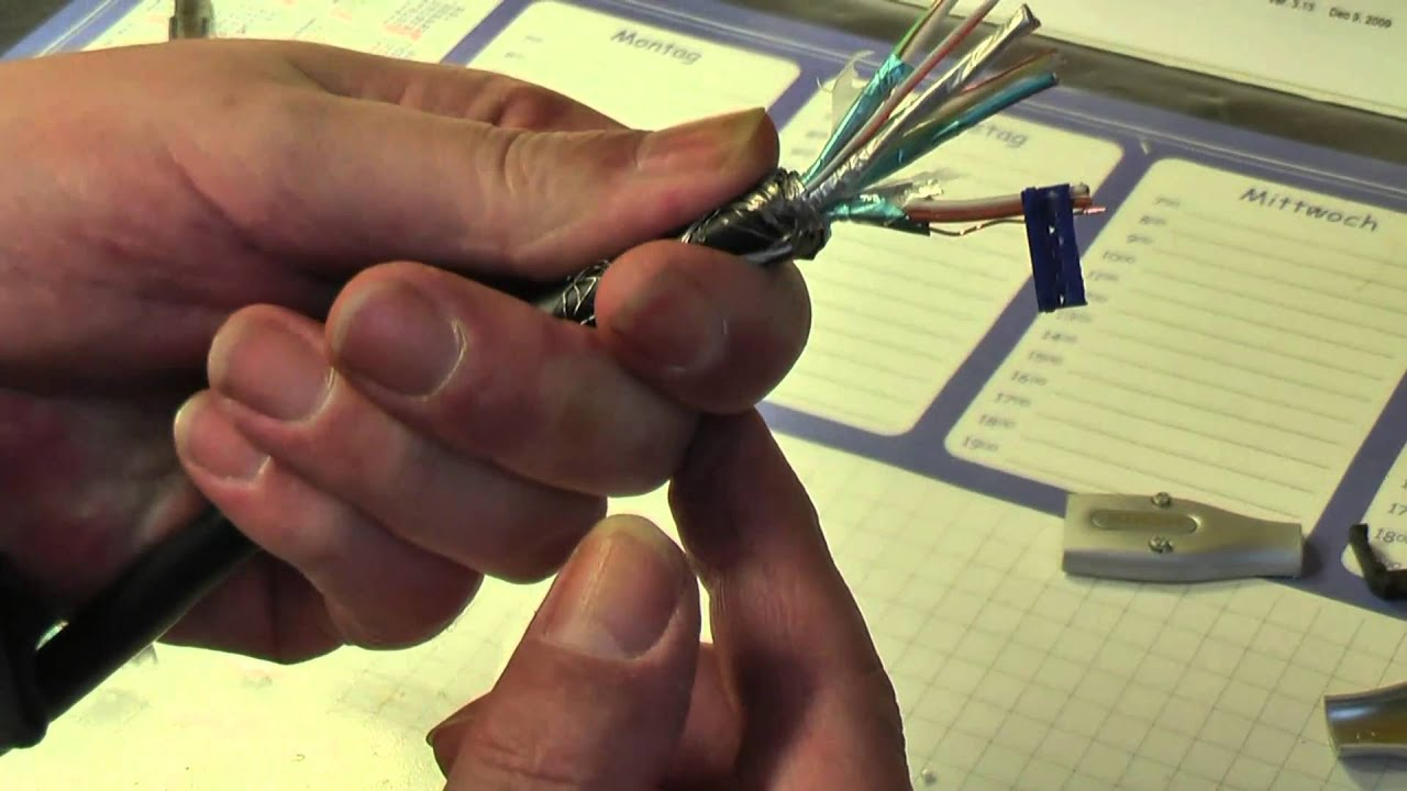 HDMI Stecker Crimpen - YouTube