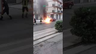 Corato. Auto in fiamme su via Sant'Elìa