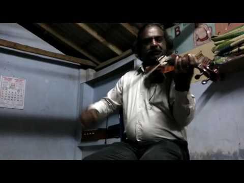 Kaathirunnu kaaathirunnu - ennu ninte moitheen - Violin played by Vattappara Vijayakumar