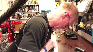 How to change front tyre on Segway-Ninebot Es 1-2-4