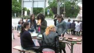 Olvass, ne facebookozz - Flashmob Elek