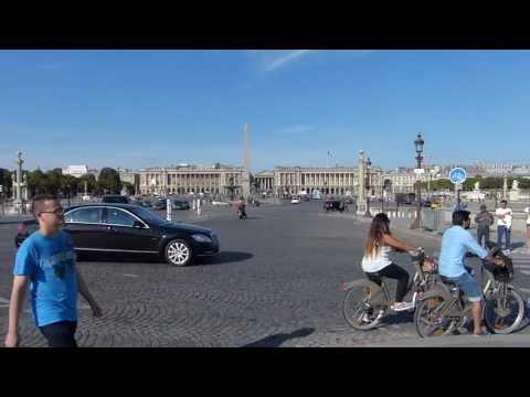 Paris - From pont de la Concorde ( Bridge ) to place de la Concorde ( Square )
