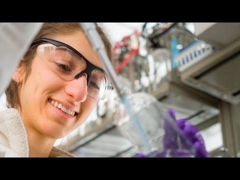 Dartmouth Undergrads in the Lab: Cellulosic Ethanol
