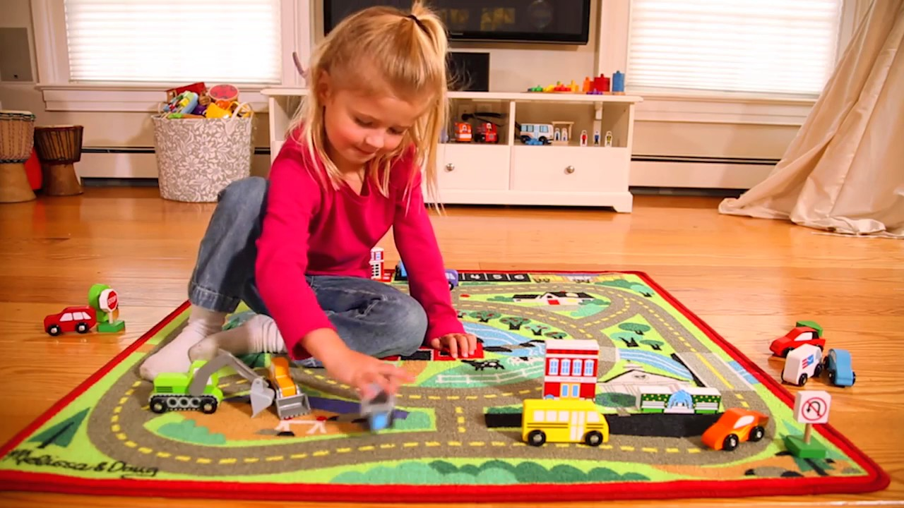 tapis de jeu voiture jouet enfant melissa et doug youtube. Black Bedroom Furniture Sets. Home Design Ideas