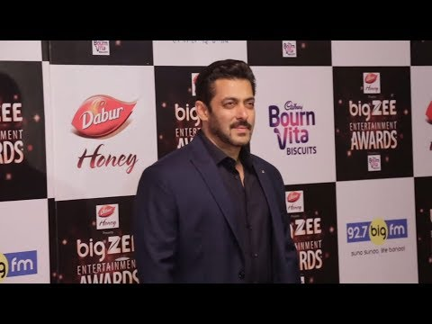 Salman Khan At Big Zee Entertainment Awards 2017
