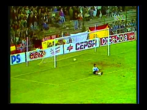 1988 (November 9) Real Madrid (Spain) 3-Gornik Zabrze (poland) 2 (Champions Cup).avi