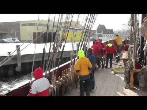 Roald Amundsen Rolling Home