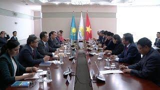 Chủ tịch Quốc hội Nguyễn Thị Kim Ngân gặp lãnh đạo Đảng cầm quyền Nur Otan, Cộng hòa Kazakhstan
