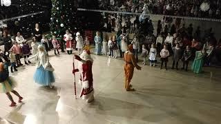 Дед Мороз пришел к ребятам Угадай мелодию