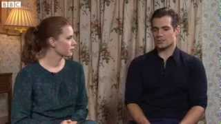 Download Video Interview: Henry Cavill talks about being bullied in school MP3 3GP MP4