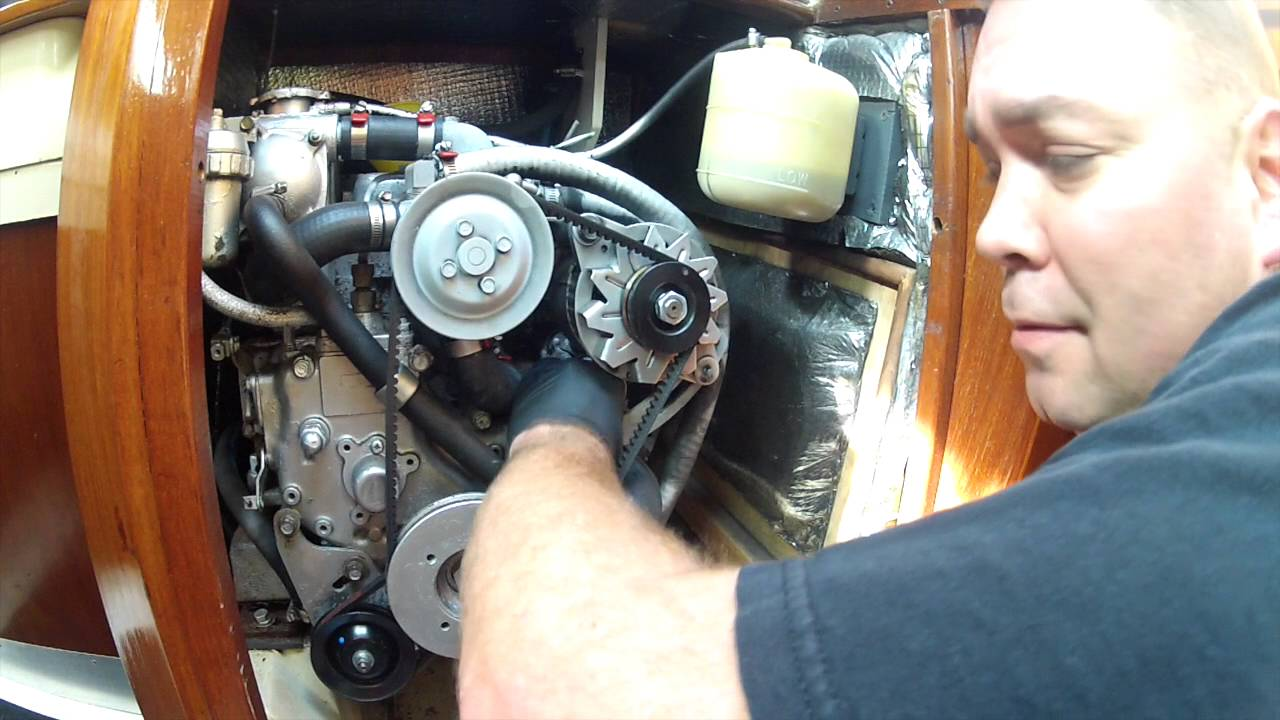 Sailboat engine maintenance: An old Yanmar 2GM20F diesel, let's do an oil  change!