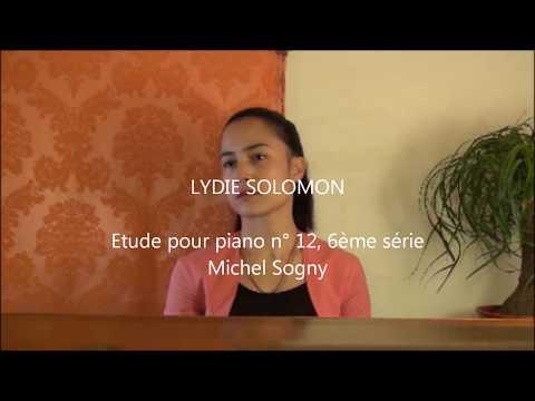 Lydie Solomon joue