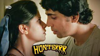 दिल पर तिल है क्या ?   Hunterrr - Romantic Scene   Gulshan Devaiah - Radhika Apte - Sai Tamhankar Thumb