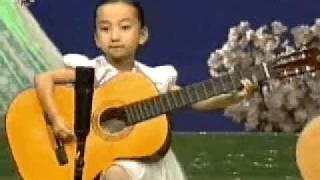 North Korean Children Playing Guitar 北朝鮮の子供たちによるギター演奏