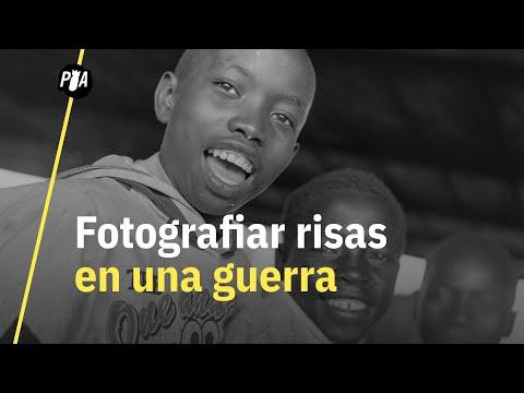 El fotógrafo mexicano que retrató las sonrisas en una guerra en África