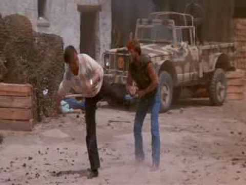 Chuck Norris vs David Carradine real kungfu battle