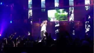 vuclip Eminem Cries during performance