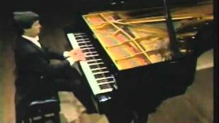 Beethoven Sonata Op.2 No.3 in C Major played by Murray Perahia