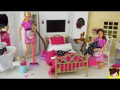 Barbie Rutina de Limpieza en Habitaciones del Hotel de Muñecas - Juguetes Titi