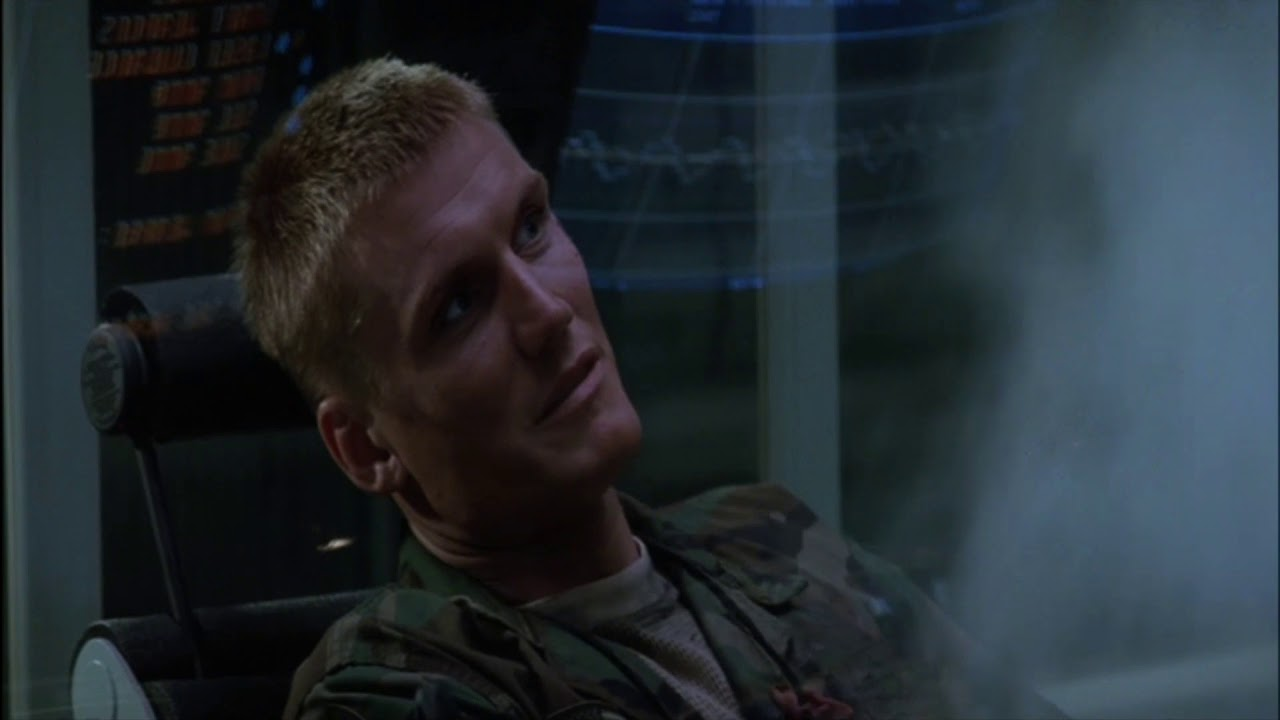 Универсальный солдат картинки с ушами