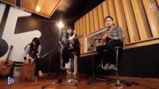 [Music+] Mình Yêu Nhau Đi (Acoustic Cover) - Mờ Naive ft Duy Phong, Hoàng Anh [VlogPlus]