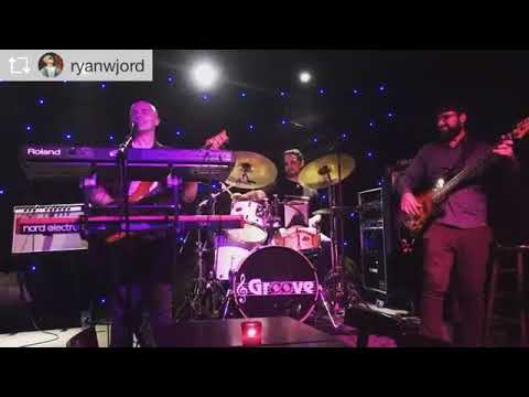 Billy Duffy playing with Ryan Jordan at Groove in NYC