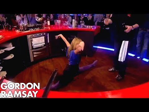 Amanda Holden Does The Splits Gordon Ramsay Youtube