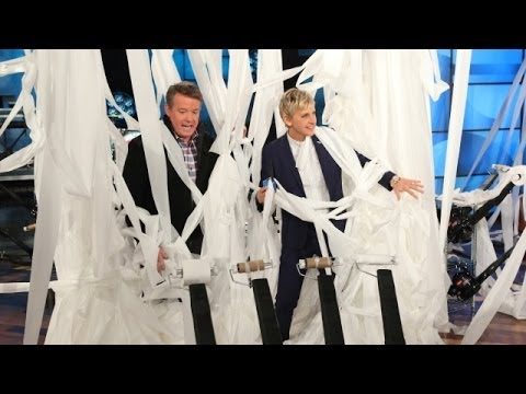 Steve Spangler Toilet-Papers Ellen's Studio - YouTube