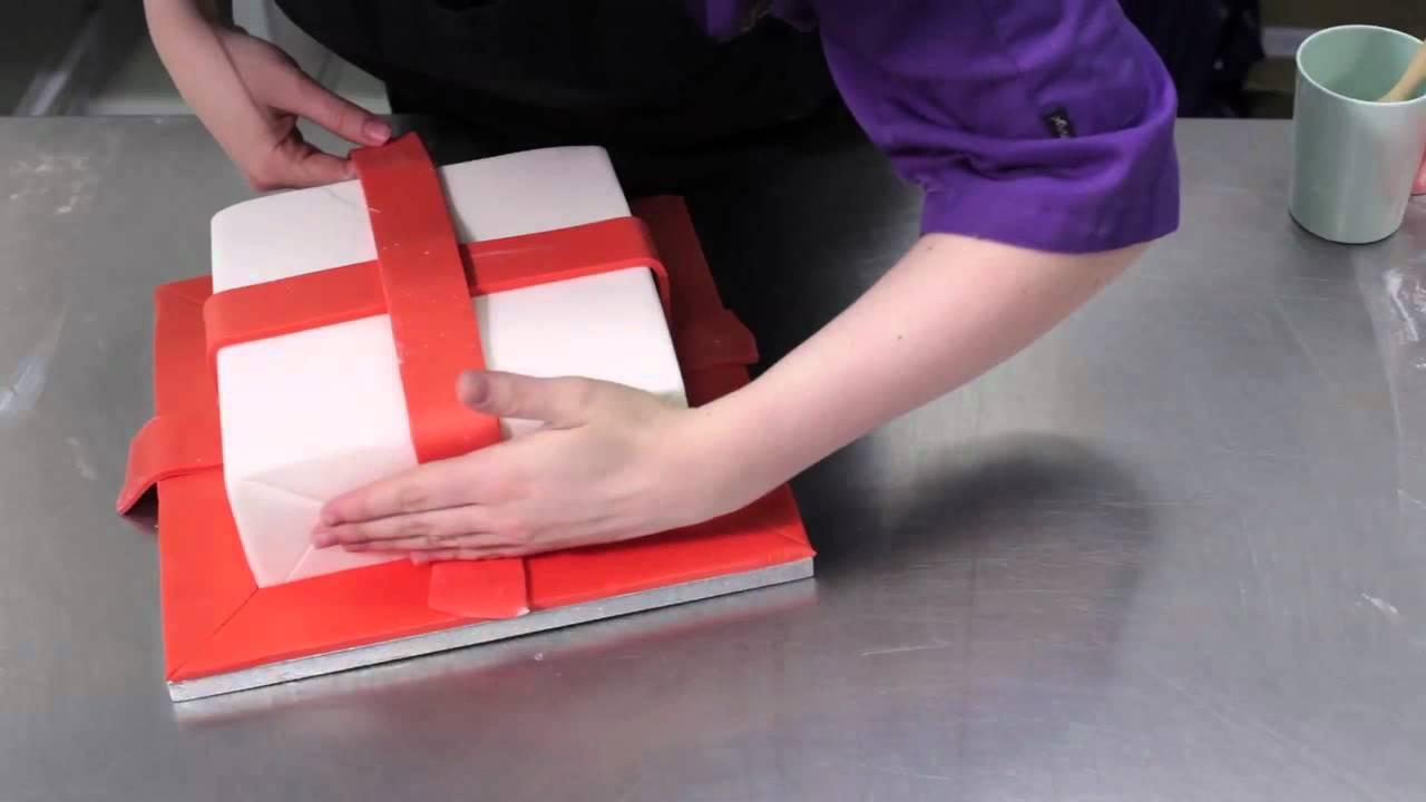 Decorating Ideas > Easy Christmas Parcel Cake  YouTube ~ 175420_Jane Asher Christmas Cake Decoration Ideas