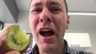 Kiwifruit: Leave the sĸin on when you eat your next Kiwifruit?