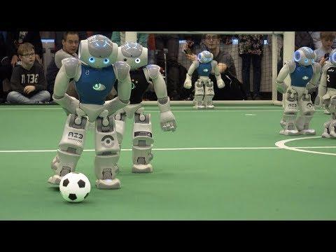 incrível.-robôs-jogando-futebol