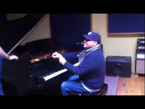 Tony Almonte - Status (live at Piccolo Studio)