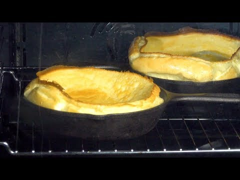 ces-pancakes-au-four-explosent-littéralement-dans-la-poêle.-À-la-fois-beaux-et-bons-!