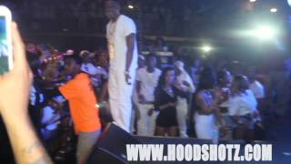 BOOSIE FANS FIGHT SECURITY AT CONCERT IN PITTSBURGH ! NEW !