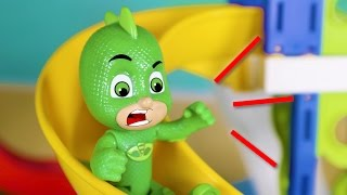 PJ Masks Toys English 💥 Gekko is afraid of slides