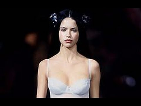Victoria's Secret Fashion Show 1999 - VideoFashion Version