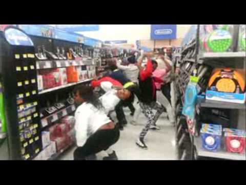 GRAND PRIZE DANCE TEAM  TWERKIN IN WALMART