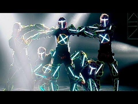 Jennifer Lopez Dance Battles Jimmy Fallon: Video | InStyle.com