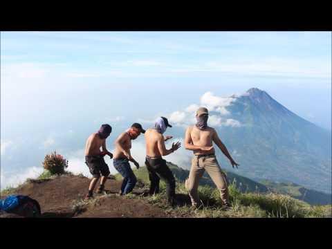 Naik Turun Challenge Gunung Merbabu